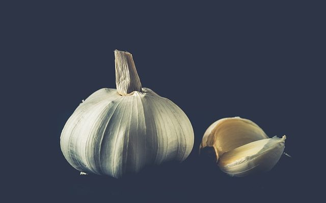 how to make garlic oil for natural remedies