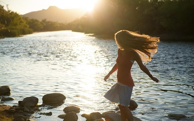 5 Empowering Tips to Ignore Everybody and Live Your Best Life