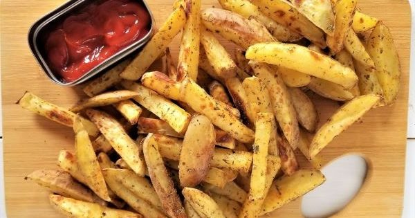 Oil-Free French Fries: Seasoned and Oven Baked