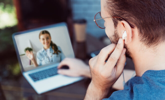 Pros and Cons of Online Counseling